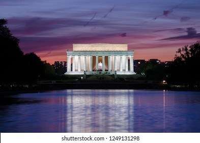 Washington DC at night - Lincoln Memorial