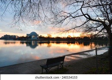 Washington DC, Thomas Jefferson Memorial in autumn sunrise