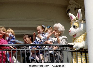 Washington DC. USA, 27th March, 1989 First Lady Barbara Bush with her grandchildren on the Truman Balconey of the White House during festives for the annual Easter Egg Roll.