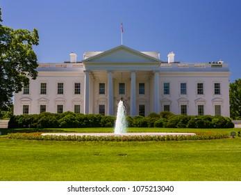 WASHINGTON, DC, USA - MAY 21, 2009: White House, north lawn.