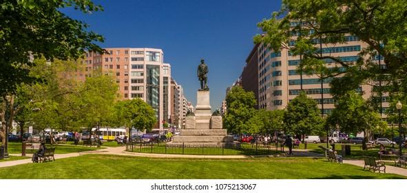 WASHINGTON, DC, USA - MAY 21, 2009: Statue of Admiral David Farragut, in Farragut Park.