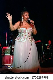 """Washington DC., USA, September 23, 1992  The """"Queen of Soul"""" Aretha Franklin wows the crowd at the Democratic Senatorial Campaign committee dinner in the Grand Ballroom of the Washington Hilton Hotel"""