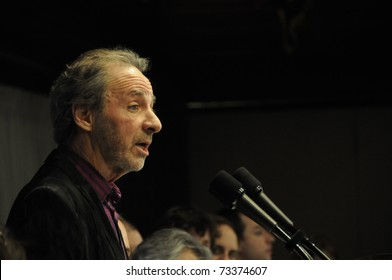 WASHINGTON - MARCH 14: Actor-Director Harry Shearer speaks at the National Press Club, March 14, 2011 in Washington, DC
