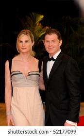 WASHINGTON MAY 1 - Stephanie March and Bobby Flay arrive at the White House Correspondents Association Dinner May 1, 2010 in Washington, D.C.