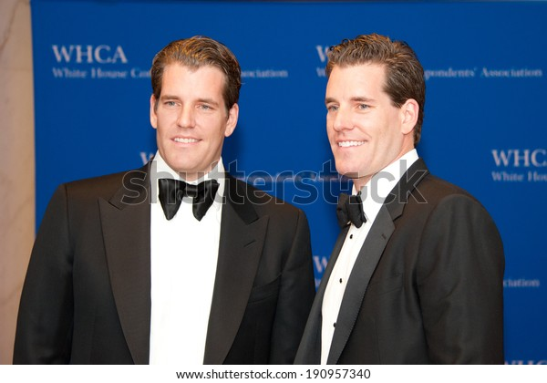 WASHINGTON MAY 3 -�� Cameron and Tyler Winklevoss arrive at the White House Correspondents� Association Dinner May 3, 2014 in Washington, DC