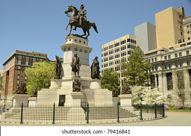 Washington Monument Historic Landmark Capital Square Richmond Virginia/Washington Monument Capital Square in Richmond