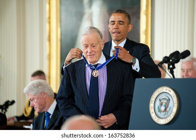 Washington � November 20: Ben Bradlee receives the Presidential Medal of Freedom from President Obama at a ceremony at The White House on November 20, 2013 in Washington, DC.