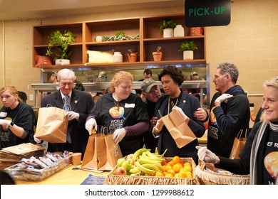 Washington/USA – January 25, 2019: Washington, DC Mayor Muriel Bowser serving workers affected by the government shutdown at Chef José Andrés World Central Kitchen, #FoodForFeds program.