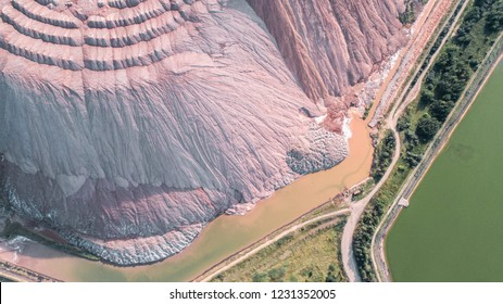 waste heaps, production of potash fertilizers in Soligorsk, shooting from above