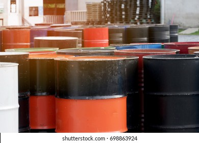 Waste of oil drum; Used oil tanker waiting to be discarded