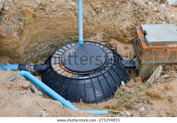 Waste treatment tank / septic tank installation