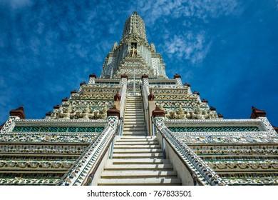 WAT ARUN BANKOK THAILAND LANDMARK