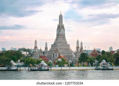 Wat Arun, buddhist temple in Bangkok, Thailand