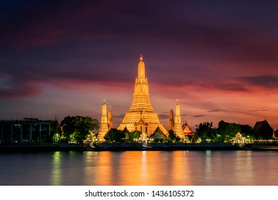 Wat Arun is one of the well-known landmarks of Thailand, Wat Arun is the royal temple that the Thai monarch uses for the water Kathin of Bangkok, Thailand, Wat Arun Ratchawararam at sunset in Bangkok,