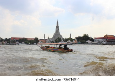 Wat Arun Ratchatharam or the Temple of the Dawn, Bangkok, is an ancient temple dating back to the Ayutthaya Period , landmark and memorials.