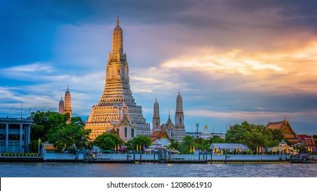 Wat Arun Temple in bangkok thailand.
