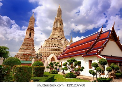 Wat Arun Temple and beautiful blue sky and white cloud, Bangkok, Thailand.