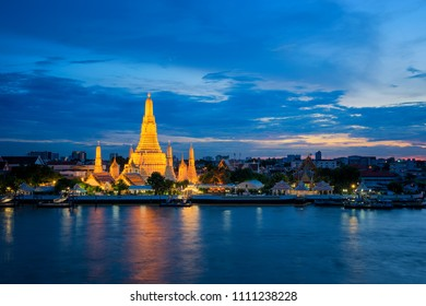 Wat Arun temple beside the river