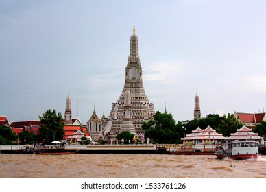 Wat arun temple from chao phraya view