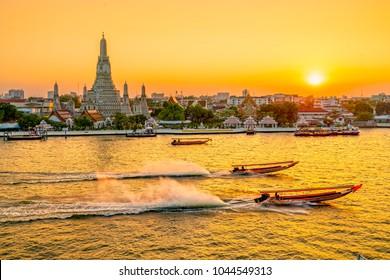 Wat Arun, The Temple of Dawn,  Bangkok, Thailandia.