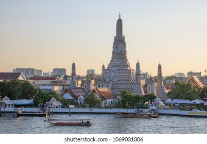 Wat Arun - The Temple of Dawn in Bangkok, Thailand
