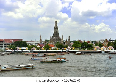 Wat Arun or temple of dawn on the back of Chaophya river, Bangkok