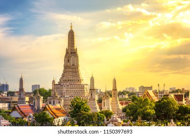 Wat Arun Temple in the sunset time, Wat Arun is a Buddhist temple in Bangkok Yai district of Bangkok, Thailand.