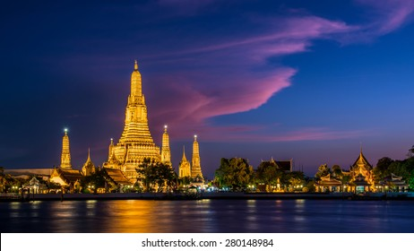 Wat Arun Temple at twilight in Bangkok, Thailand.