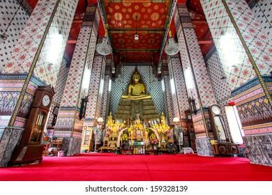 Wat Arun thai temple in bangkok