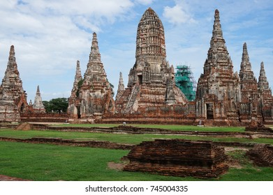 Wat Chaiwatthanaram, Ayutthaya, ancient temple ruins in Thailand