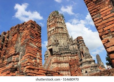 Wat Chaiwatthanaram ,Ayutthaya Historical Park ,Thailand ,world heritage. Thai temple ,ancient architecture ,ancient sculpture.