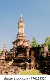 Wat Chedi Chet Thaeo in the Si Satchanalai Historical Park, Thailand, UNESCO.