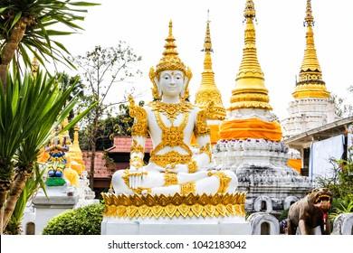 wat chedi sao lang temple in lampang thailand