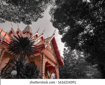 wat kho temple with lightroom editor