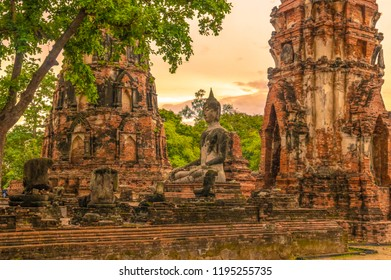 Wat Mahathat is Unesco wolrd heritage of Ayutthya hitorical park,Thailand.