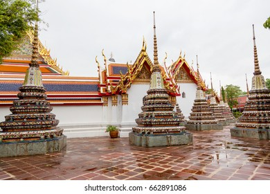 Wat Pho Temple   Temple of Reclining Buddha gold statue