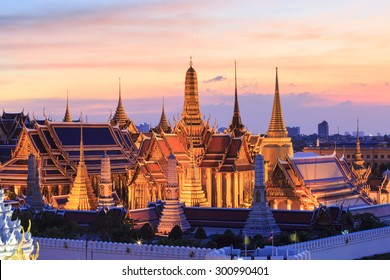 Wat Phra Kaew, Temple of the Emerald Buddha and Grand Palace at twilight in Bangkok, Thailand
