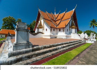 Wat Phuminmost is the most famous renowned for its cruciform ubosot