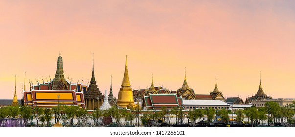 Wat pra kaew, Grand palace Temple of the Emerald Buddha full official name Wat Phra Si Rattana Satsadaram is travel destination in Bangkok ,Thailand on beautiful sky background with clipping patch