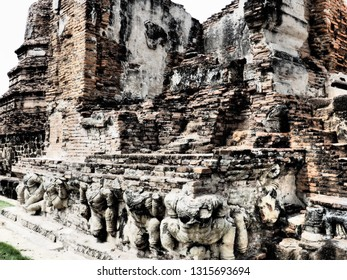 The Wat Ratchaburana is a Buddhist temple located in Ayutthaya, Thailand. This place also be one of ayutthaya historical park.