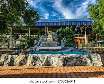 Wat Saksae Ngam buddhist temple in thailand, beautiful temple, buddhist temple, Bangkok Thailand, Thailand, Buddha statue