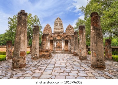 Wat Sri Sawai, ancient temple with three top pagoda in Sukhothai Historical Park, Thailand, UNESCO World Heritage site.