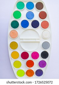WATER COLOR PALETTE HOBBY PAINTING BACKGROUND