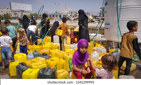 Water crisis caused by the war in the city of Taiz South Yemen. Yemen / Taiz City. 2018-11-02