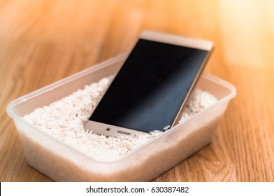 Water damaged phone in rice