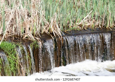 The water flowing from the city sewer pipes is a large sump for the subsequent treatment of water.
