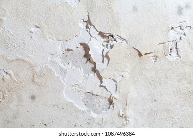 Water leakage on the wall causing damage and wall surface peeling