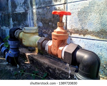 Water meters and valves: installed on the cement floor beside the brick block panel To measure the amount of water flowing through the volume calculation device and send the value to the top dial.