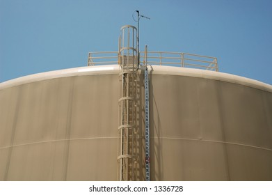 Water Storage Tank and Fill Gage