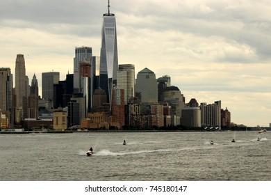 Watercraft with skyline